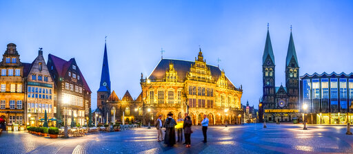 Germany, Bremen, market square, Church of Our Lady, City Hall and Saint Petri Cathedral