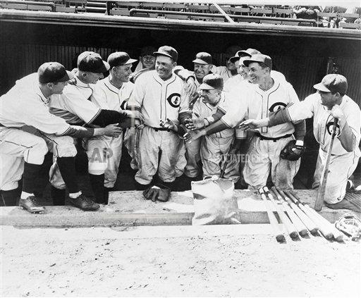 Watchf Associated Press International News Professional Baseball (National League) Illinois United States APHS142074 Rogers Hornsby                 Chicago Cubs    1932