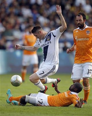 Robbie Keane, Boniek Garcia