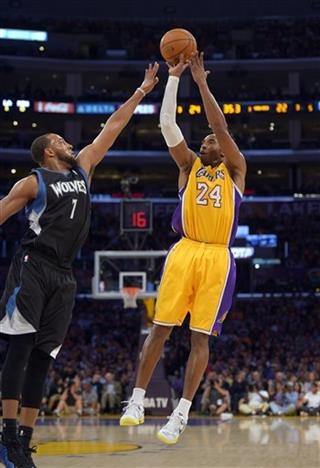 Kobe Bryant, Derrick Williams