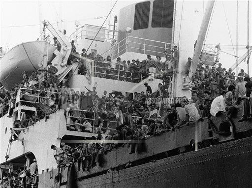 vietnam immigrants and refugees The vietnam war had come crashing to an end — and i asked my editor if i could document the frantic arrival of the refugees crowding camp pendleton only four years before, i was an army infantry 1st lieutenant commanding convoys of ammunition and helicopter fuel on jungle roads.