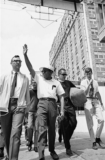 Watchf AP A  TN USA APHS329503 Civil Rights James Meredith 1966