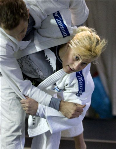 Kayla Harrison, Bobby Lee