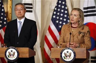 Hillary Rodham Clinton, Kim Sung-Hwan