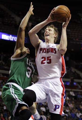 Kyle Singler, Paul Pierce