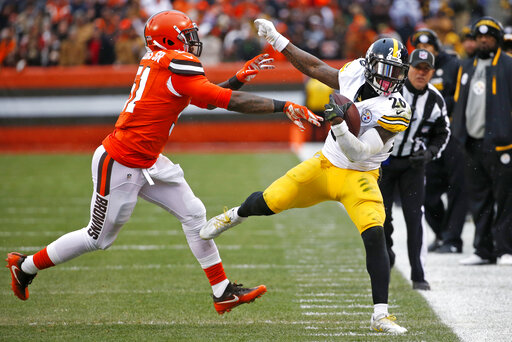 Le'Veon Bell, Jaime Collins, Steelers vs. Browns 2016 Cleveland, Steelers Browns Game ball winners