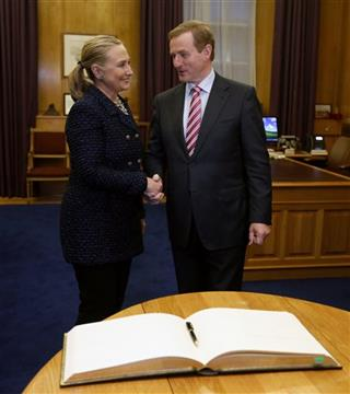 Hillary Rodham Clinton, Enda Kenny