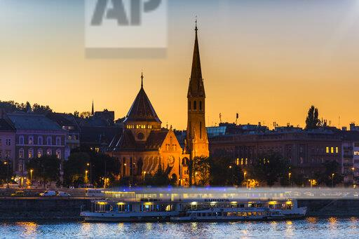 Hungary, Budapest, city view at dusk