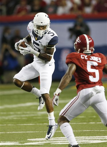 ... catch as alabama defensive back cyrus jones 5 defends during the