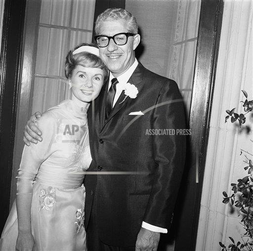 Watchf AP A ENT CA USA APHS282261 Debbie Reynolds Remarries 1960