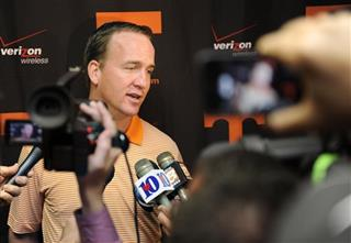 Tennessee Manning Football