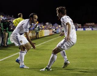 Mike Magee, Landon Donovan