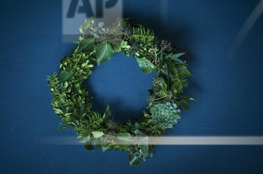 Advent wreath on blue ground