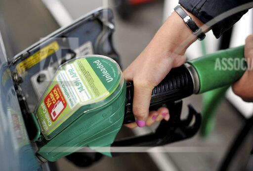 Asda cuts petrol prices
