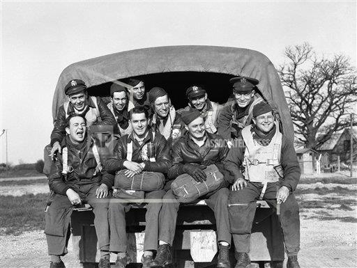 Watchf AP I   XEN APHSL26787 WWII England Flying Fortress Crew