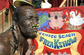 TV-AMC-Freakshow-Unscripted