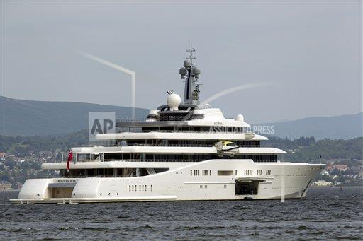 Roman Abramovich S Super Yacht Eclipse Moored On The River Clyde