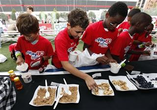 Quaker Helps Power Play at the NFL PLAY 60 Youth Football Festival