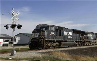 Earns Norfolk Southern