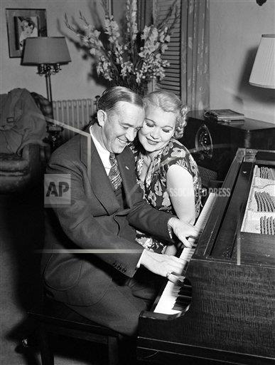 Watchf AP A  CA USA APHS438841 Stan Laurel with wife Vera Ivanova Shuvalova