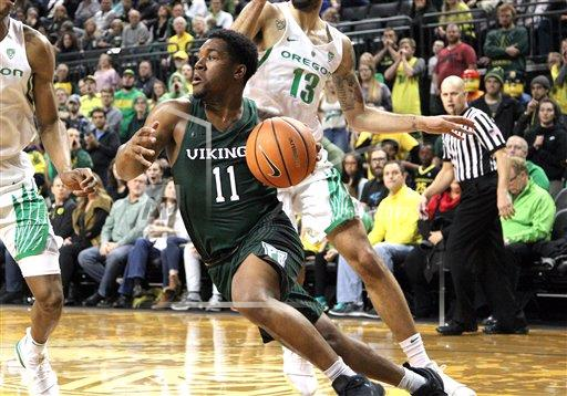 CalSports AP SPO MBB [Deante Strickland] OR USA CSMAP NCAA Basket all 2017: Portland State vs Oregon DEC 13