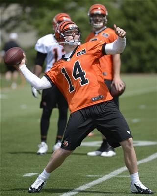 Bengals Throwing Deep Football