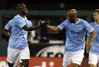 Micah Richards, Sisenando Maicon