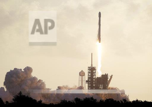 APTOPIX SpaceX Launch