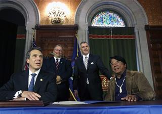 Andrew Cuomo, Ray Halbritter, John Becker, Anthony Picente