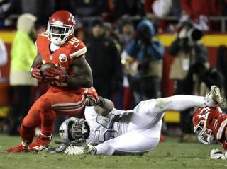 Tyreek Hill, Perry Riley