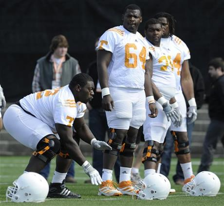 Tennessee Offensive Linemen Football