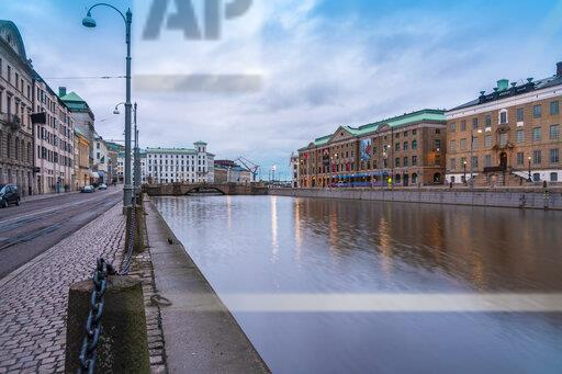 Sweden, Gothenburg, Soedra hamngatan and state museum at the historic center