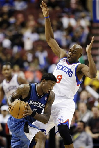 Damien Wilkins, Josh Howard