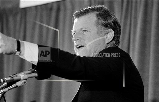 Watchf Associated Press Domestic News  Dist. of Col United States APHS149984 Edward Kennedy