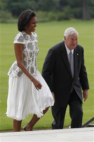 Michelle Obama, Louis B. Susman
