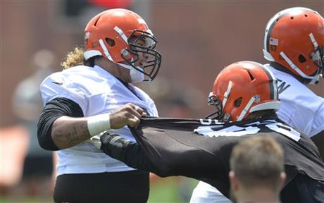 Browns D-tackle Danny Shelton insists he's fine, will be ready for season after recent wrist surgery