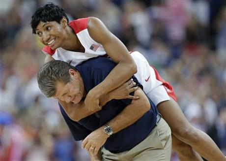 Angel McCoughtry, Geno Auriemma