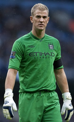 Manchester City&#039;s goalkeeper Joe Hart