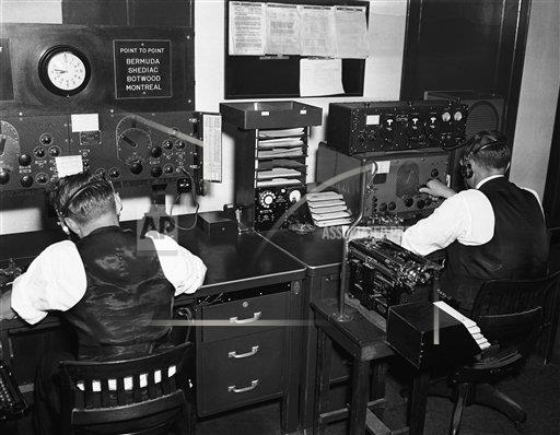 Watchf Associated Press Domestic News   United States APHS119472 Radio Operators