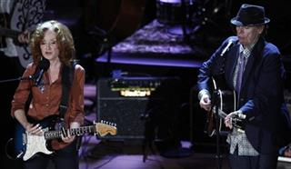 Bonnie Raitt, John Hiatt