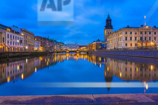 Sweden, Gothenburg, old city center by Gustav Adolfs torg with the town hall and the German Church