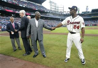 Michael Bourn, Hank Aaron
