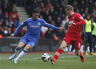 Steven Davis, Eden Hazard