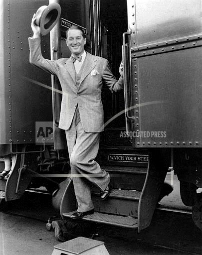 Associated Press Domestic News California United States Entertainment, celebrities MAURICE CHEVALIER