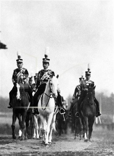 Watchf AP I   JPN APHSL10 Japanese Emperor reviews his army