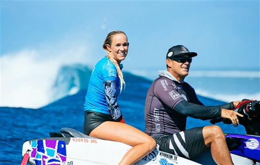 Bethany Hamilton, shark survivor, wows in surf competition