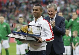 Ashley Cole, Roy Hodgson