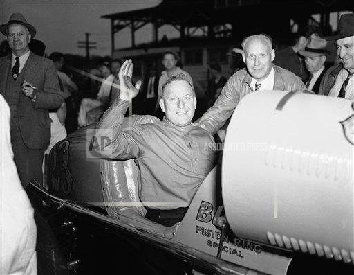 Watchf AP S CAR IN USA APHS239518 Indy 500 Roberts 1938