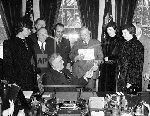 Watchf Associated Press Domestic News  Dist. of Col United States APHS198463 Franklin D. Roosevelt