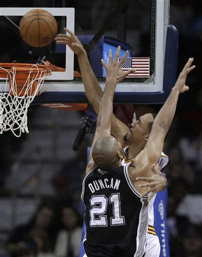 Tim Duncan, Shaun Livingston